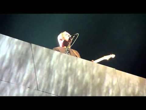 Comfortably Numb – Roger Waters & David Gilmour Reunite